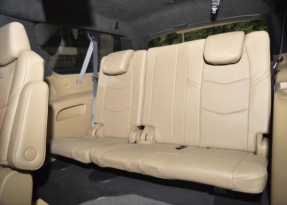 Bán ô tô Cadillac Escalade ESV Platinum sản xuất 2019, giá tốt, nhiều ưu đãi