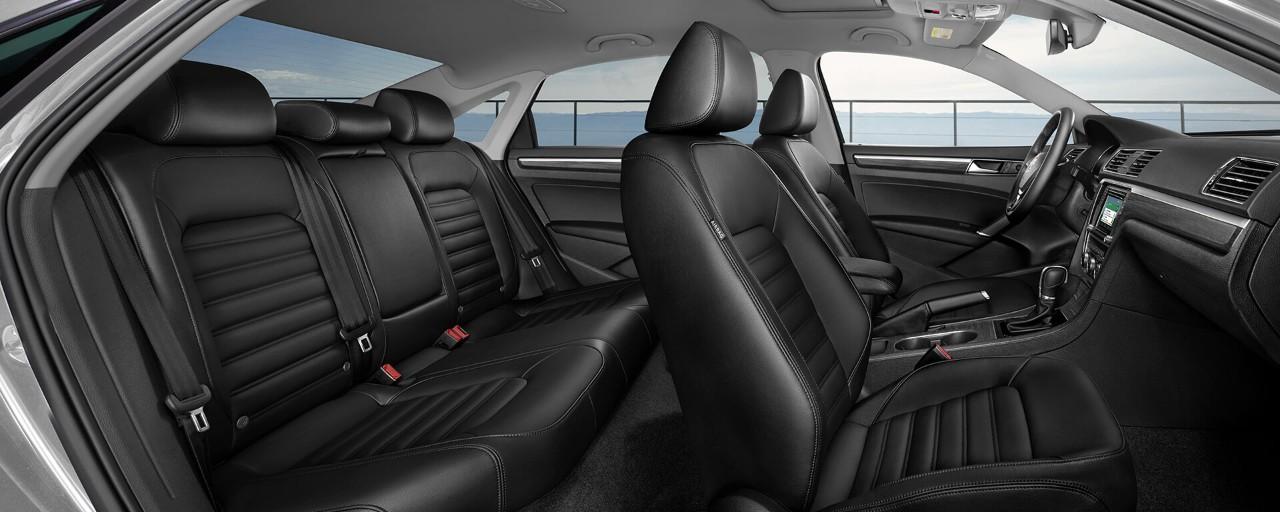 Passat Bluemotion 2018, đủ màu xe lựa chọn. 400 triệu mang xe về nhà, quà tặng hoặc giảm giá trực tiếp 40 triệu