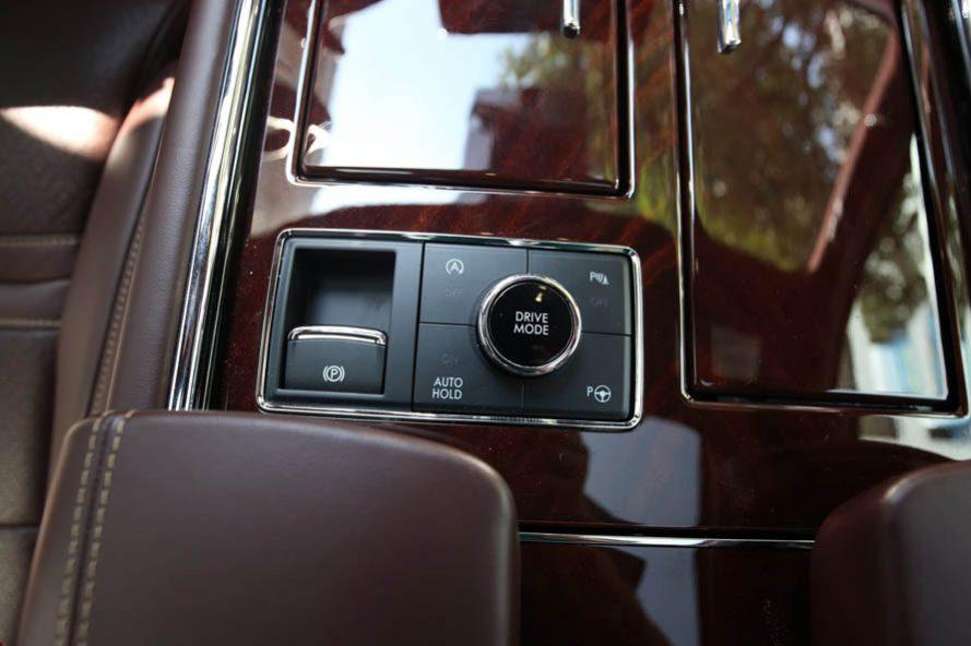 Lincoln Navigator Black Label L đời 2020, màu đỏ, xe nhập