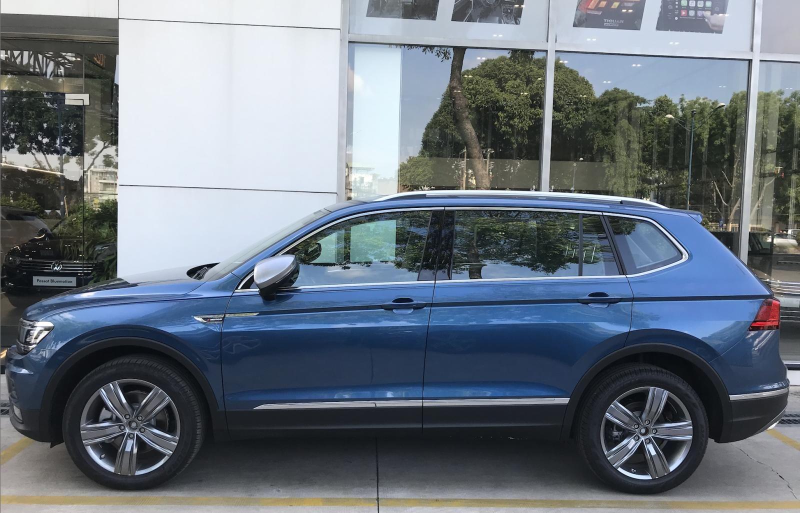 Volkswagen Tiguan Allspace - Xe Đức nhập khẩu - tháng 12 giảm giá sốc hơn 100 triệu kèm quà nhiều quà tặng giá trị