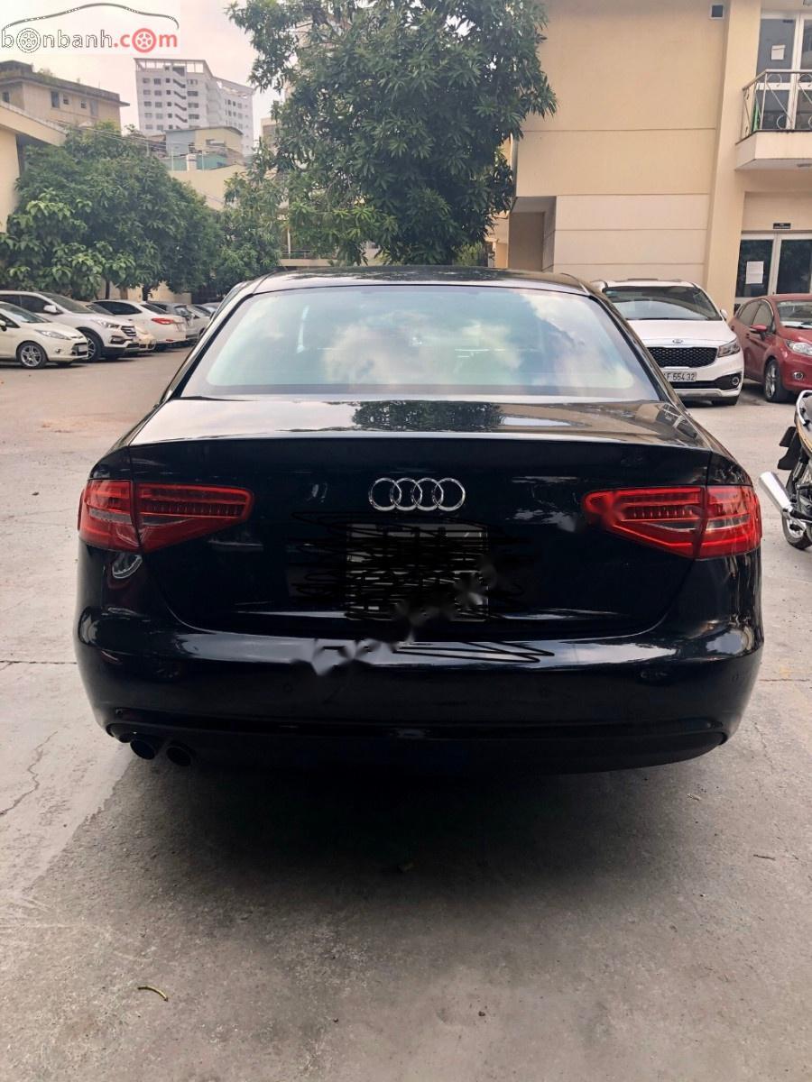 Bán Audi A4 năm sản xuất 2012, màu đen, nhập khẩu xe gia đình