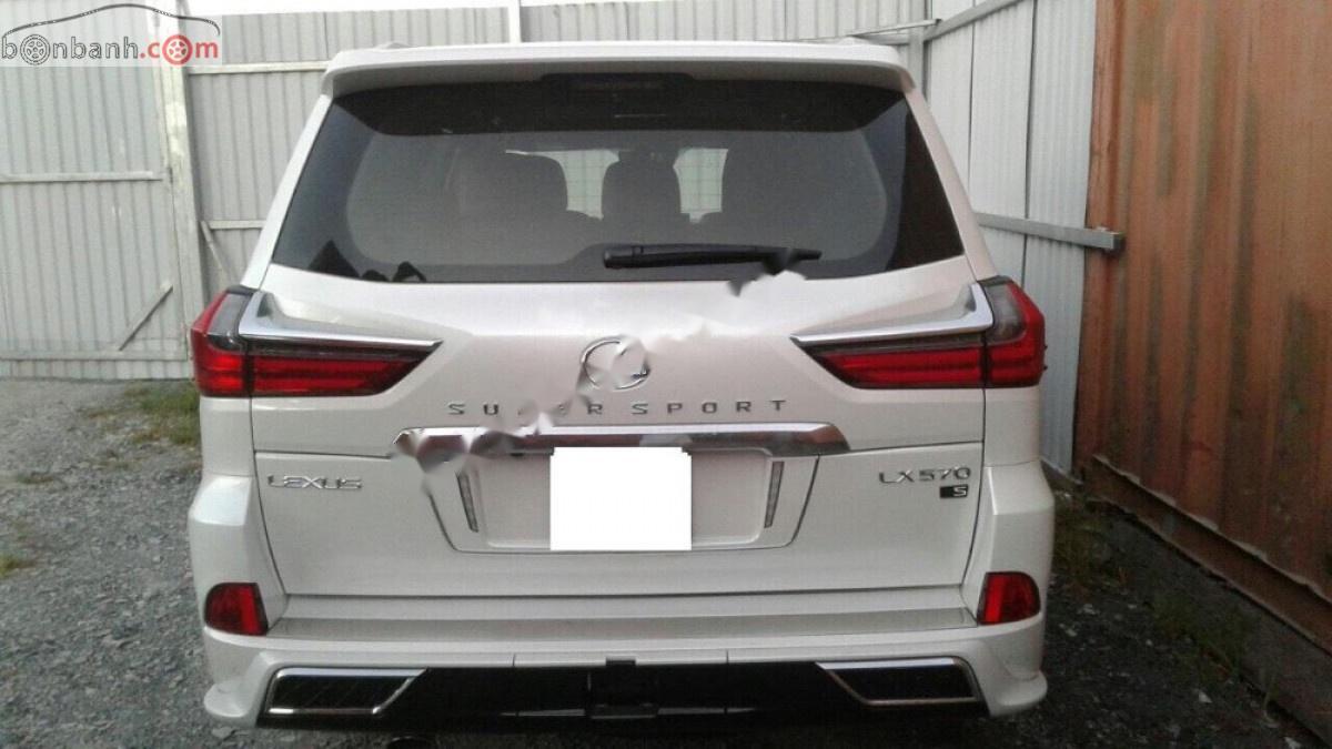 Bán Lexus LX 570S Super Sport sản xuất 2019, màu trắng, nhập khẩu nguyên chiếc