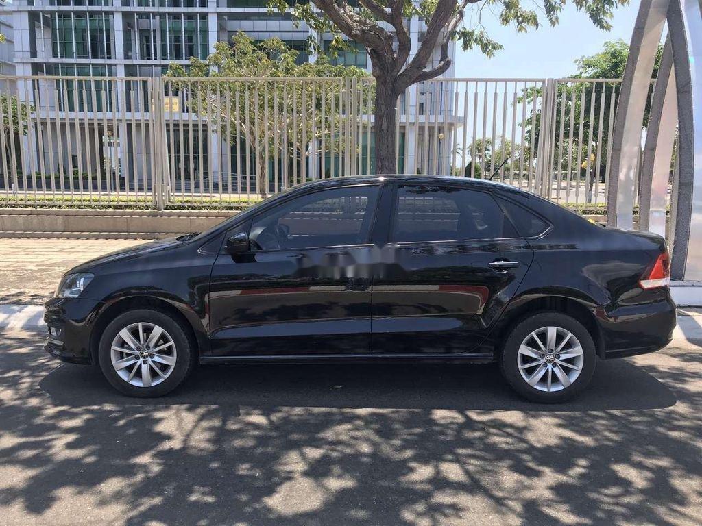 Bán Volkswagen Polo đời 2017, màu đen, xe nhập, chính chủ