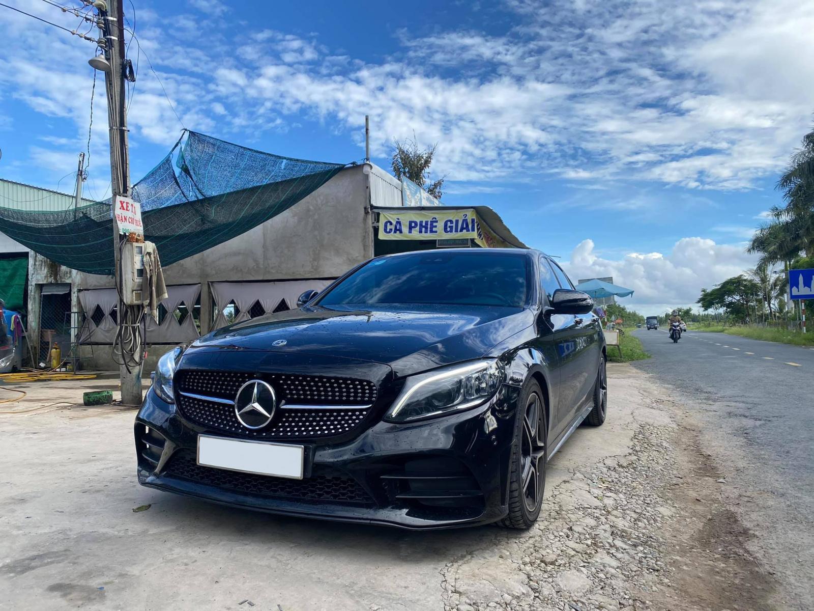 Bán xe Mercedes AMG sản xuất 2019, màu đen
