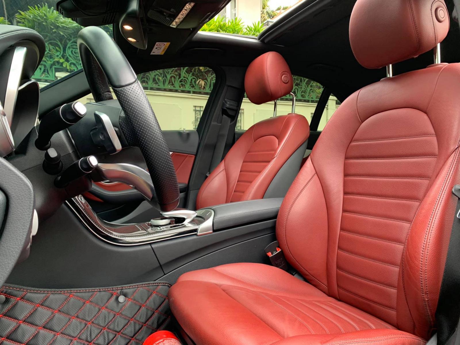 Cần bán lại xe Mercedes AMG năm 2018, màu đen