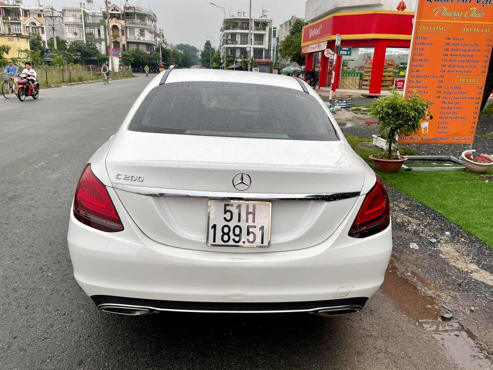 Quốc Duy Auto - Mercedes Benz C200 Exclusive trắng/đen 2020 sang - trả trước 650 triệu nhận xe ngay