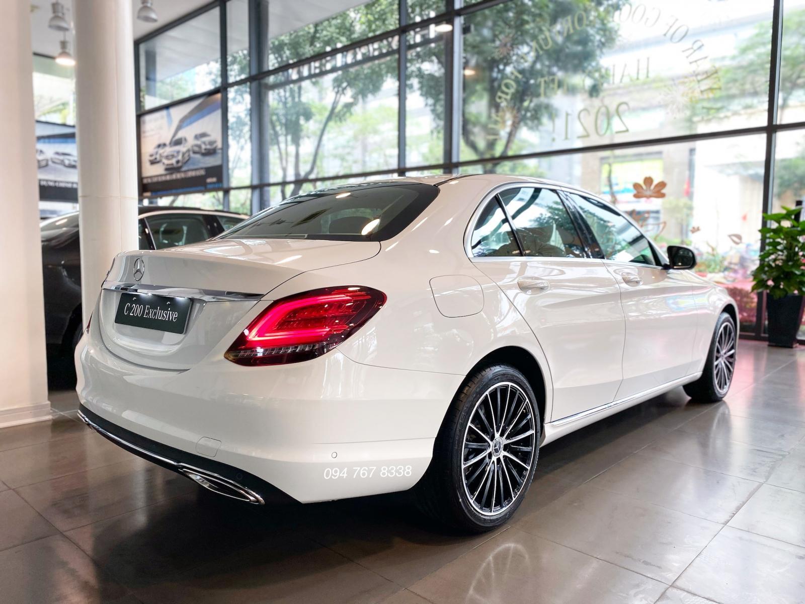 Bán Mercedes C200 Exclusive 2021 màu trắng siêu lướt, biển đẹp, giá cực tốt
