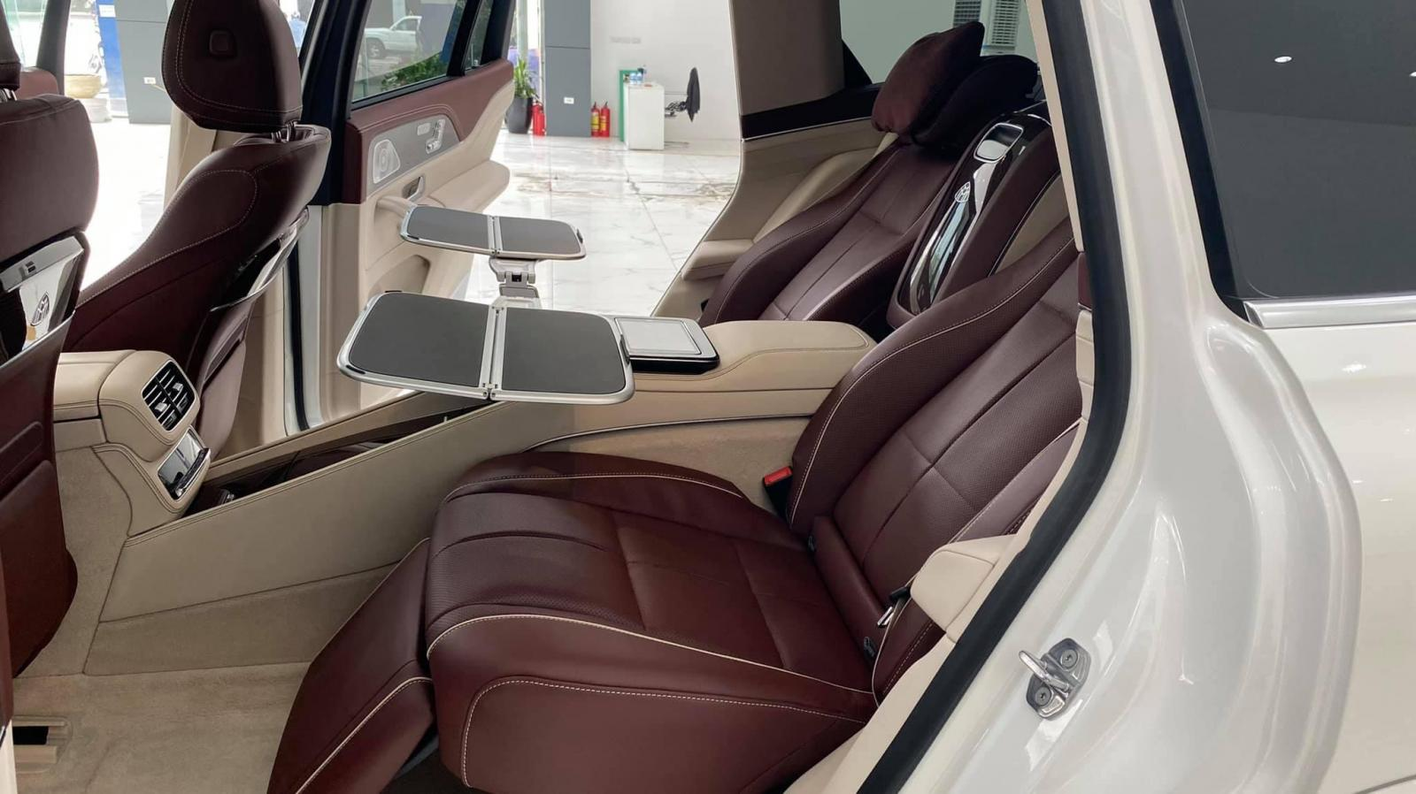 Bán Mercedes GLS 600 Maybach sản xuất 2021, mới 100%, xe giao ngay