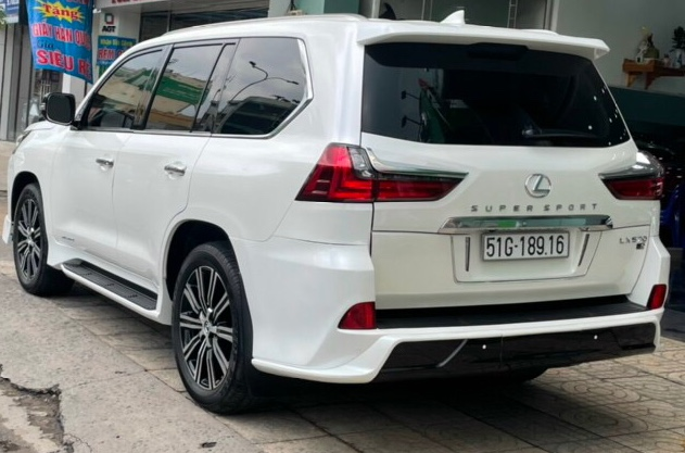 Bán xe Lexus LX 570 đời 2017 nhập Mỹ, màu trắng