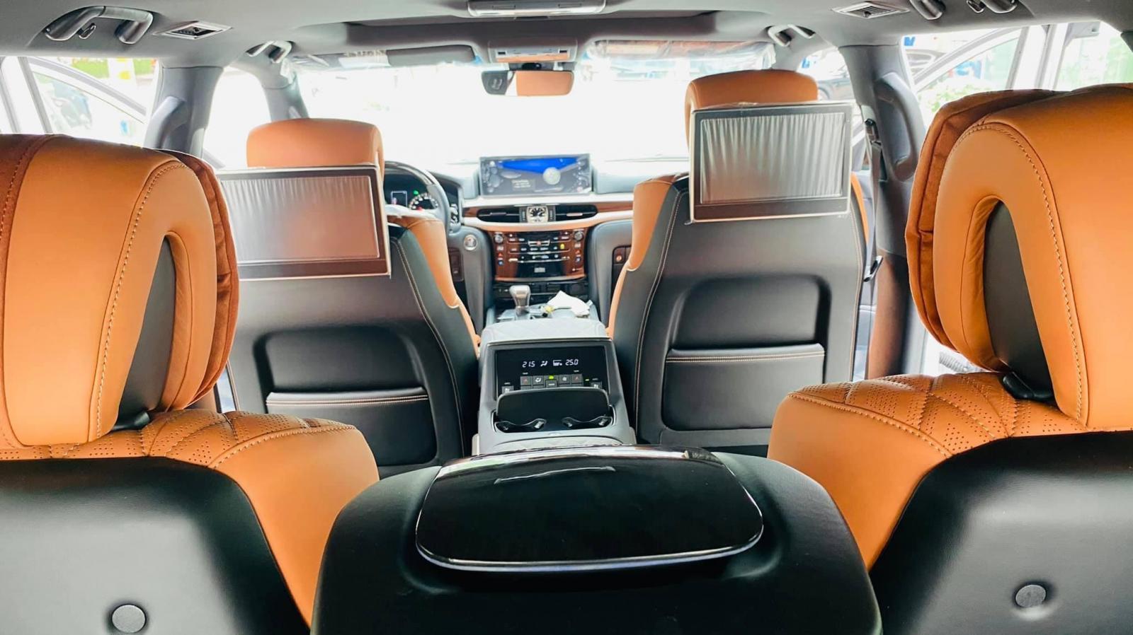 Cần bán xe Lexus LX 570 Super Sport MBS đời 2021, màu trắng, xe nhập