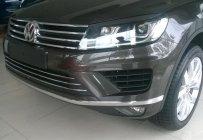 Cần bán xe Volkswagen Toquareg GP đời 2015, màu nâu, xe nhập, giá tốt giá 2 tỷ 859 tr tại Đà Nẵng
