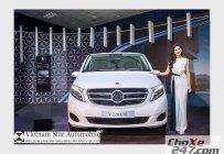 Cần bán xe Mercedes V220 CDI đời 2016, màu bạc giá 2 tỷ 569 tr tại Tp.HCM
