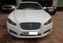 Cần bán gấp Jaguar XF 2.0 năm 2012, màu trắng chính chủ giá 1 tỷ 820 tr tại Hà Nội