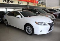 Cần bán Lexus ES 300h đời 2013, màu trắng, xe nhập giá 2 tỷ tại Tp.HCM