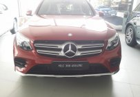Bán xe Mercedes GLC 300 màu đỏ giá tốt. Giao xe ngay giá 2 tỷ 209 tr tại Hà Nội
