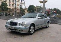 Bán xe Mercedes E240 năm sản xuất 2001, màu bạc, nhập khẩu  giá 185 triệu tại Bắc Ninh