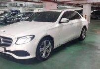 Cần bán gấp Mercedes E250 năm sản xuất 2016, màu trắng chính chủ giá 2 tỷ 350 tr tại Tp.HCM