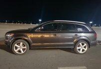 Em cần bán Audi Q7 4.2 màu xám, nội thất đen. Chạy đúng 75.000km, xe biển số SG, sản xuất 2008, đăng kí 2009 giá 810 triệu tại Tp.HCM