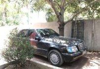 Cần bán Mercedes E220 1993, màu đen, giá tốt giá 100 triệu tại Hà Nội