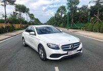 Bán xe Mercedes E250 Trắng 2018 chính hãng. Trả trước 750 triệu rinh xe về ngay giá 2 tỷ 380 tr tại Tp.HCM