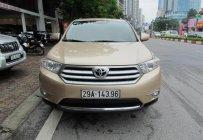 Bán Toyota Highlander LE 2011 màu vàng giá 1 tỷ 120 tr tại Hà Nội