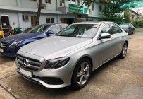 Bán xe Mercedes E250 bạc 2018 chính hãng. Trả trước 750 triệu nhận xe ngay giá 2 tỷ 380 tr tại Tp.HCM