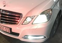 Bán Mercedes-Benz E250 sx năm 2010 màu trắng, 750 triệu giá 750 triệu tại Tp.HCM