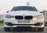 Cần bán xe BMW 3 Series 320i sản xuất 2013, màu trắng, nhập khẩu giá 880 triệu tại Tp.HCM