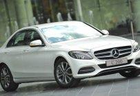 Cần bán xe Mercedes C200 đời 2018, màu trắng, nội thất be giá 2 tỷ 209 tr tại Hà Nội