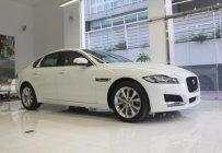 Cần bán giá xe Jaguar XF Prestige 2.0, màu trắng, bảo hành, hotline 0932222253 giá 2 tỷ 90 tr tại Tp.HCM