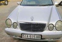 Cần bán Mercedes E240 sản xuất 2001, màu bạc, giá 185tr giá 185 triệu tại Tp.HCM
