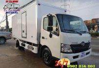 Xe tải hino/ xe tai hino/ giá xe hino/hino 300. giá 830 triệu tại Bình Dương