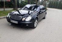 Cần bán gấp Mercedes E200 năm 2004, màu đen số tự động giá 298 triệu tại Hà Nội