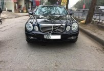 Cần bán lại xe Mercedes E200 sản xuất năm 2004, màu đen  giá 275 triệu tại Hà Nội