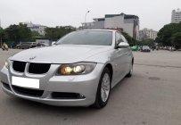 Gia đình cần bán BMW 320i, sản xuất 2008, số tự động, màu bạc giá 323 triệu tại Tp.HCM