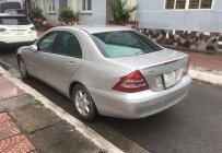 Cần bán Mercedes C200 đời 2002, màu bạc, nội ngoại thất còn đẹp zin, không lỗi lầm giá 165 triệu tại Hà Nội