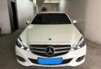 Chính chủ bán lại xe Mercedes E200 đời 2015, màu trắng, xe đẹp đi giữ giá 1 tỷ 250 tr tại Tp.HCM