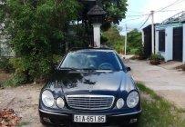Cần bán gấp Mercedes E200 sản xuất 2004, màu đen, xe nhập giá 300 triệu tại Bình Dương