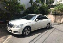 Gia đình bán Mercedes E250 2011, màu trắng giá 900 triệu tại Tp.HCM