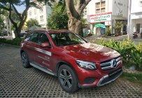 Bán Mercedes GLC200 đời 2018, màu đỏ, giá cực tốt, 2% thuế là lăn bánh, CHIẾC CUỐI CÙNG giá 1 tỷ 615 tr tại Tp.HCM