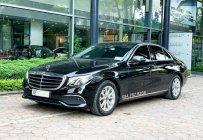 Cần bán lại xe Mercedes E200 đời 2018, màu đen, chính chủ giá 1 tỷ 729 tr tại Hà Nội