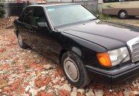 Bán Mercedes E200 năm sản xuất 1993, màu đen, xe nhập số sàn, giá 68tr giá 68 triệu tại Tp.HCM