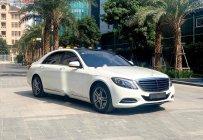Cần bán lại xe Mercedes năm sản xuất 2017, màu trắng xe còn mới lắm giá 3 tỷ 140 tr tại Hà Nội