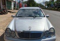 Cần bán gấp Mercedes-Benz C class C200 màu bạc xe máy chạy êm giá 180 triệu tại Gia Lai