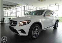 Ưu đãi cuối năm chiếc xe Mercedes GLC 300 AMG, đời  2020, màu trắng, nhập khẩu nguyên chiếc giá 2 tỷ 289 tr tại Tp.HCM
