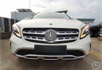 Ưu đãi sốc cuối năm chiếc xe Mercedes GLA 200, đời 2019, màu trắng - Săn xe - Giao nhanh giá 1 tỷ 619 tr tại Tp.HCM