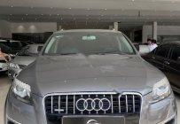 Bán Audi Q7 sản xuất năm 2011, màu xám, nhập khẩu nguyên chiếc giá 1 tỷ 200 tr tại Tp.HCM