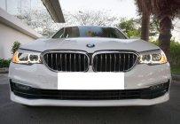 Cần bán lại xe BMW 5 Series 520i đời 2019, màu trắng, nhập khẩu chính hãng, còn mới giá 1 tỷ 970 tr tại Tp.HCM
