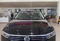 Cần bán xe Volkswagen Passat Comfort màu đen, liên hệ Mr Thuận 0932168093 giá 1 tỷ 380 tr tại Tp.HCM