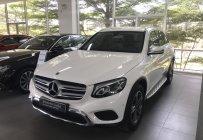 Cần bán xe Mercedes GLC200 sx2019 màu trắng nội thất kem  GIÁ SỐC giá 1 tỷ 639 tr tại Tp.HCM